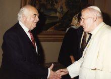 lord-weidenfeld-with-pope-john-paul-ii